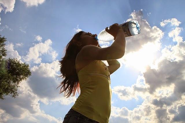 Manfaat Sehat Meminum Banyak Air Putih