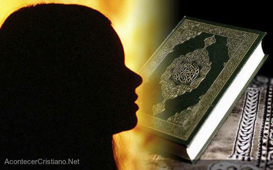 Niña es acusada de quemar Corán en Pakistán