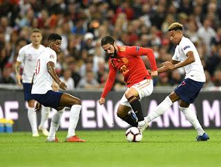إيسكو مع منتخب إسبانيا ضد إنجلترا