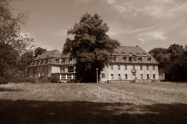 Замок Schloss Marquardt (Потсдам) в современности
