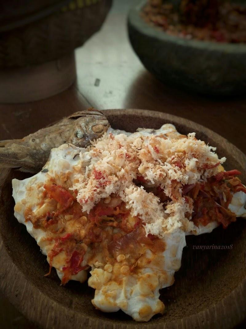 Tempe Kukus Sambal Kelapa, Makanan Ndeso Khas Pekalongan
