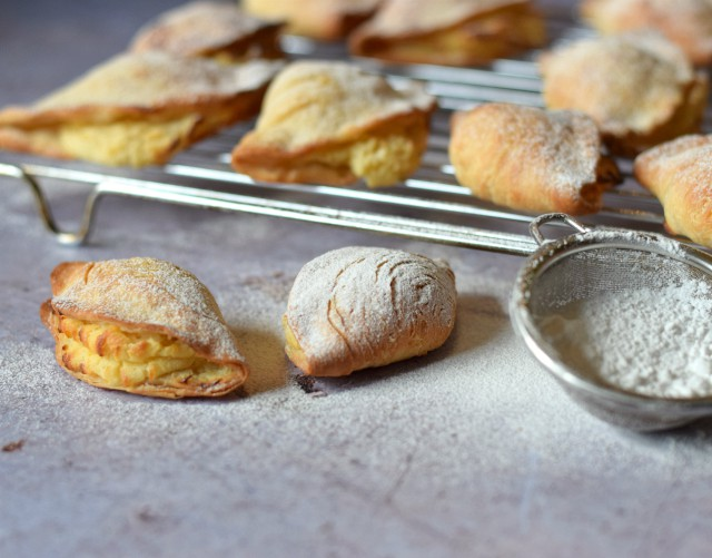 How to make sfogliatelle at home