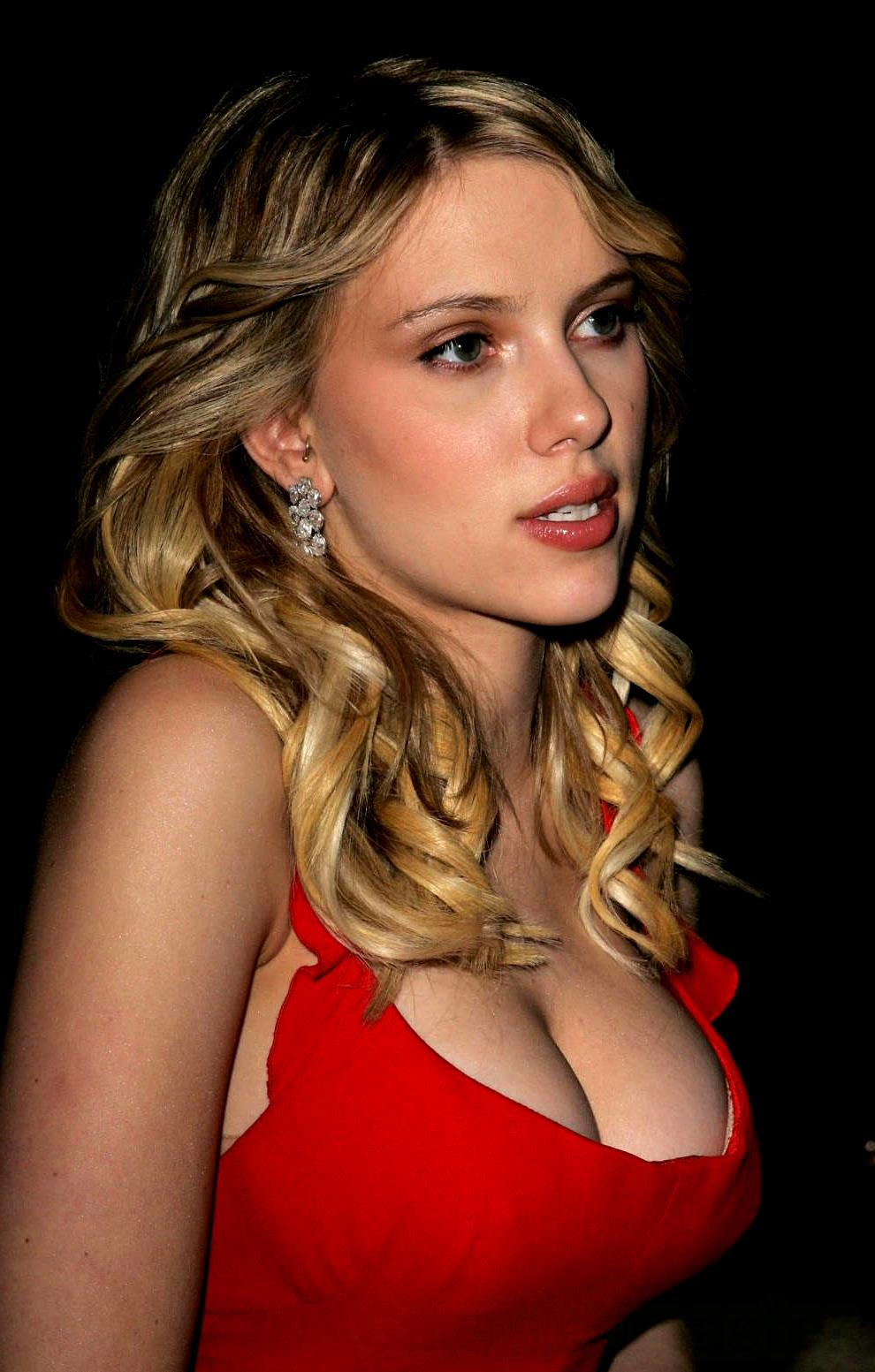 Scarlett Johansson Most Sexy Cleavage Show In Red Dress -1459