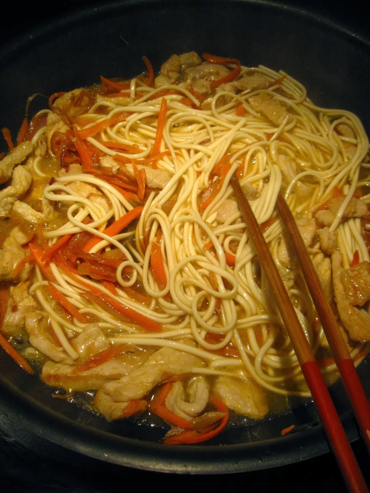 【靜姐上菜】Jean的廚房飲食歡樂記: 炒烏龍麵,炸豆腐,蛋餃辣味噌湯