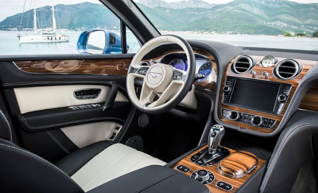 2017 Bentley Bentayga Interior