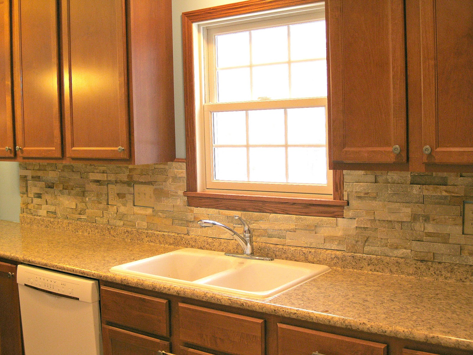 how to make a cut rock backsplash in kitchen