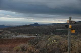 Montaña de los Cardones y Roque Aguayro al fondo