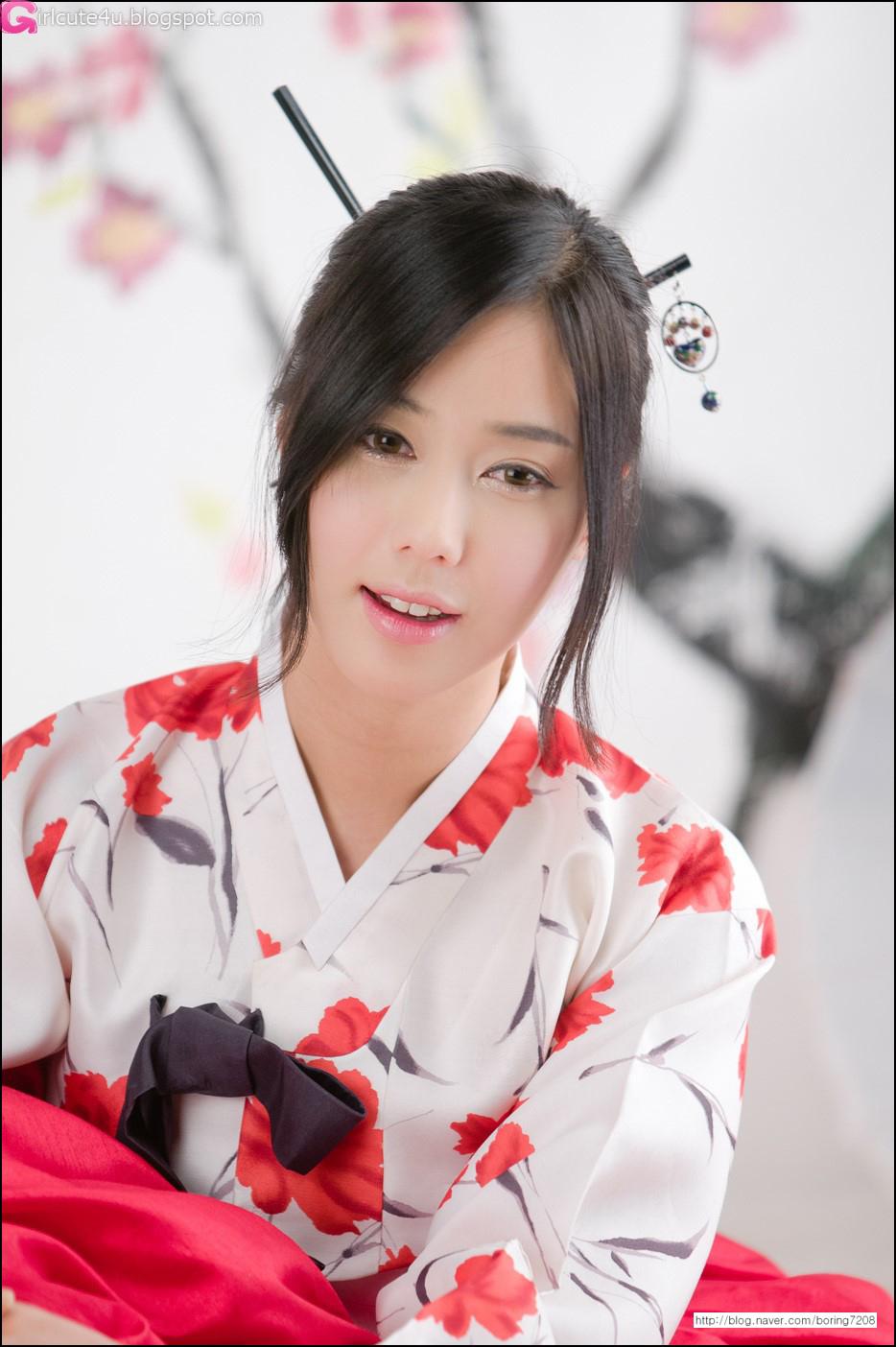 Cute Asian Girl Kim Ha Yul In Hanbok-6853