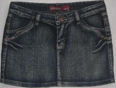 Foto de minifalda jean con un solo botón delantero