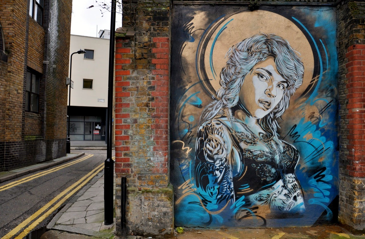 C215 is currently in UK where he just wrapped up these new stencils somewhere on the busy streets of East London. 1