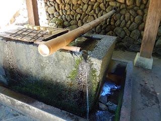 義仲産湯の清水