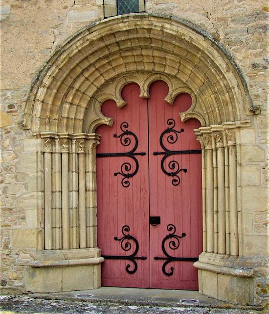 Eglise saint Médulphe de saint Myon. Le portail ouest