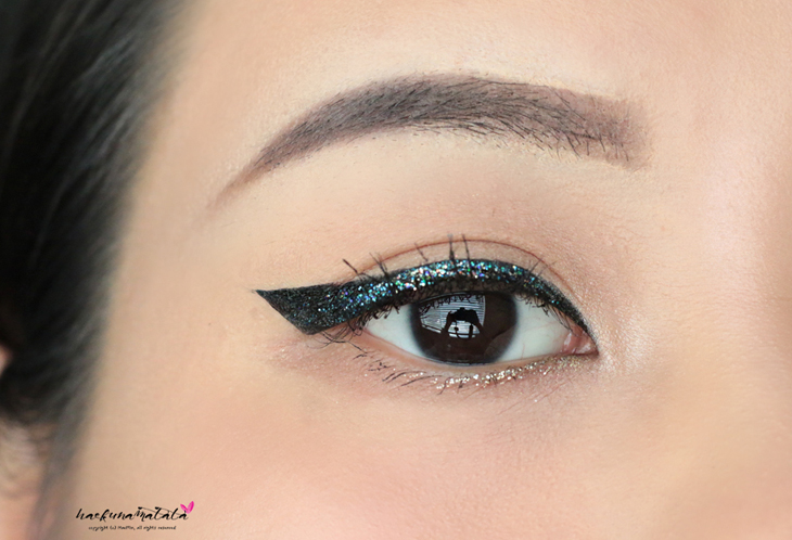 How to Use Urban Decay Heavy Metal Glitter Liner - Midnight Cowboy & Spandex, eye makeup tutorial