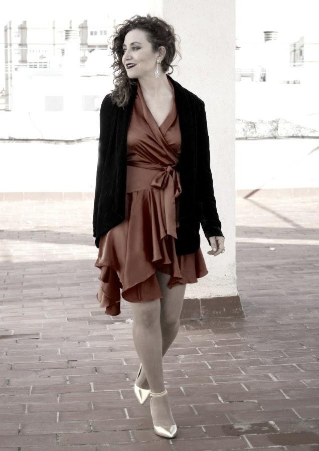 melange_boutique_vestido_de_fietsa_fashion_blog_de_moda_dezzal_saten_raso_kimono_terciopelo_mango_stradivarius