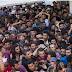 Ανταρσία στη Λέσβο: Οι πρόσφυγες αρνούνται να μπουν στο πολεμικό πλοίο...!!!