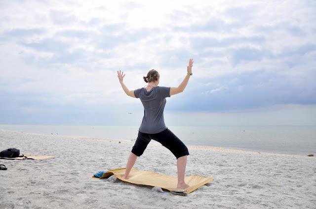 Mỗi ngày một tư thế Yoga | 9 Tư thế dâng lên nữ thần