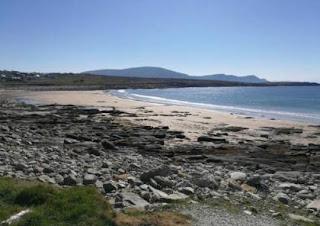 شاطئ إيرلندي يتضح مرة أخرى بعد اختفاء 12 عام!