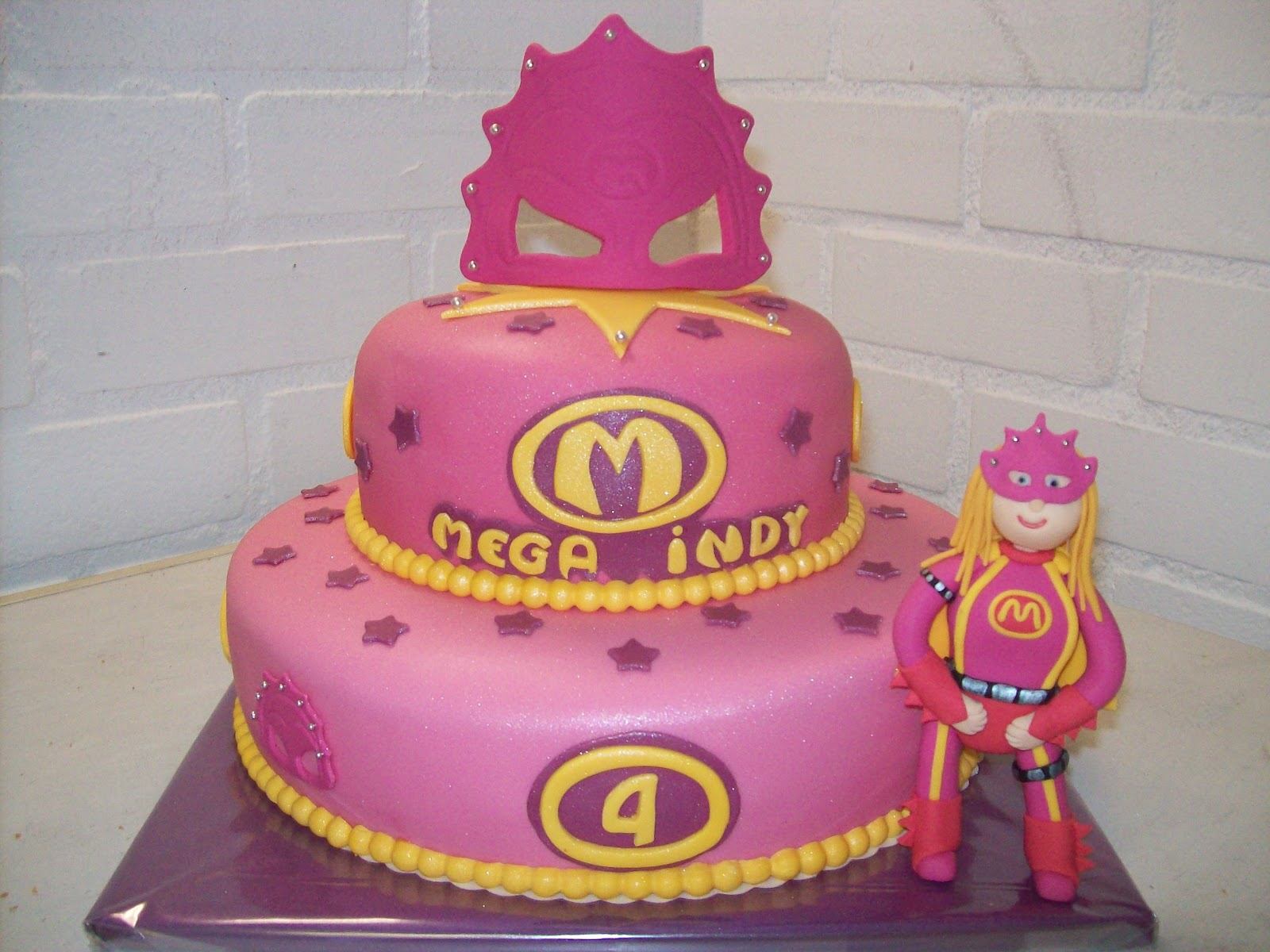 mega mindy taart maken Twee thema's 1 stapeltaart (mega Mindy/Nijntje) (Pagina 1  mega mindy taart maken