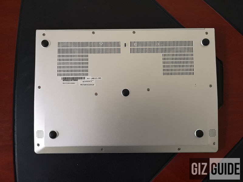 MSI PS42 bottom plate