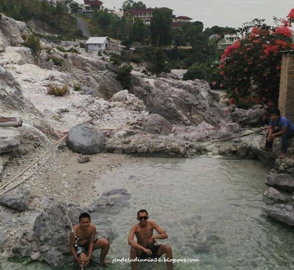 Berwisata Ke Pemadian Kolam Air Panas Aek Rangat Pangururan Samosir
