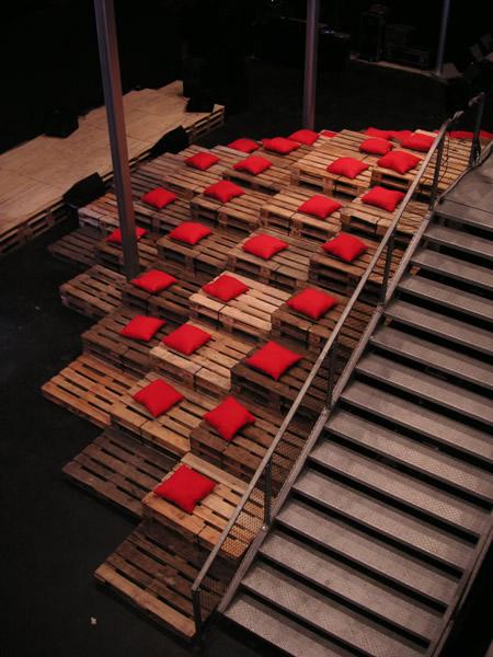si quieres ver otros sillones hechos con palets de madera haz click aqu