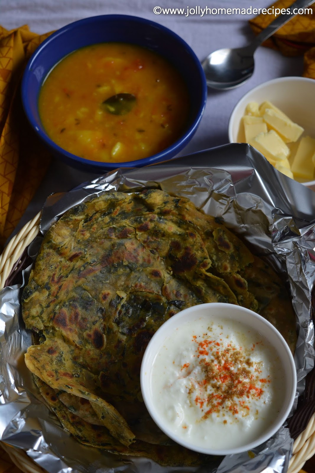 Gujarati Methi Thepla Recipe, How to make Methi Thepla | Fenugreek flavoured Gujarati Flatbread