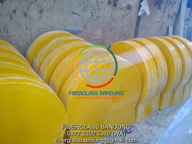 separator jalan fiberglass