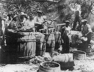 http://pics-about-space.com/bootleggers-1920-moonshine?p=1
