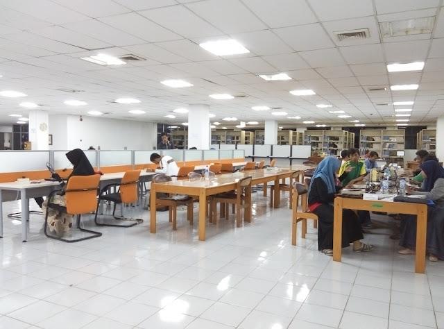 P60314 222415 - Membaca Nyaman dan Santai dengan Nuansa Modern di Perpustakaan Unsyiah