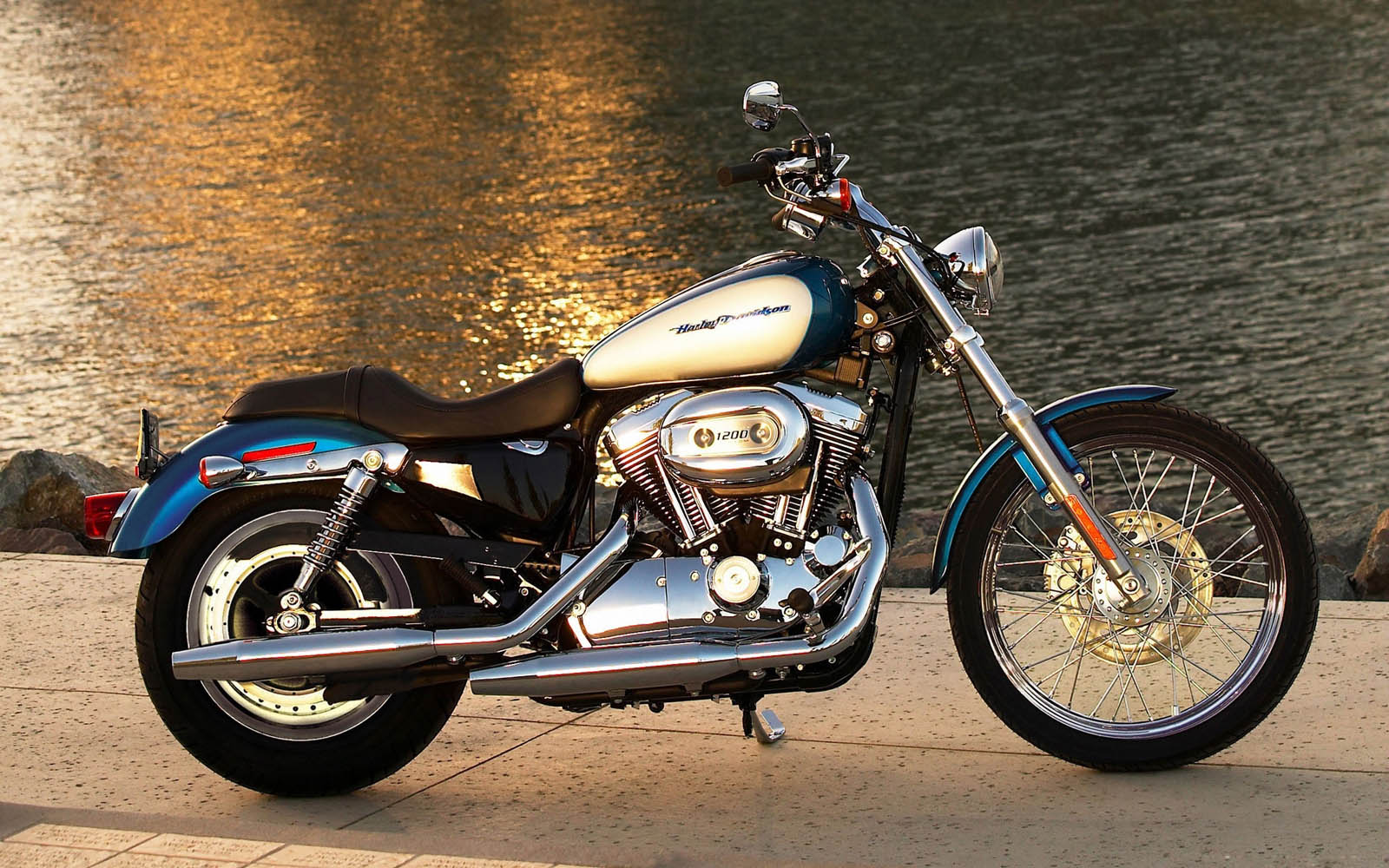 wallpapers: Harley Davidson Bikes Wallpapers