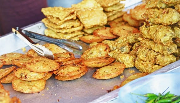 Gorengan merupakan salah satu masakan favorit orang Indonesia Dampak Bahaya Makan Gorengan