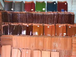 Genteng ini mempunyai warna yang cukup banyak alasannya pada ketika proses finishingnya dilapisi Spesifikasi Teknis Genteng Keramik