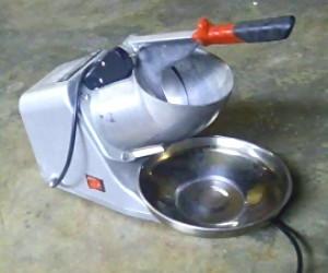mesin serutan es listrik