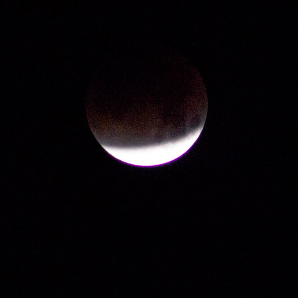 January 31 Lunar Eclipse continues, 300mm, 1/125 seconds (Source: Palmia Observatory)