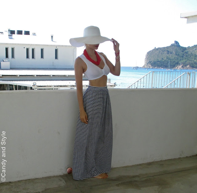 FloppyHat+CropTop+StripedSkirt - Lilli Candy and Style Fashion Blog