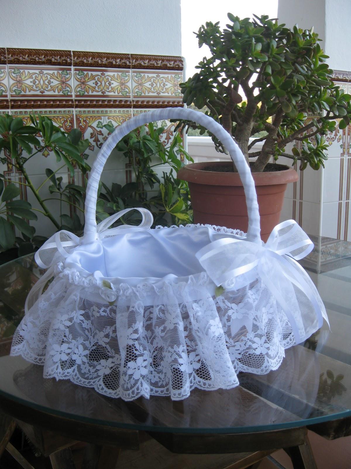 Las manualidades de rosa cesta comunion for Como decorar c
