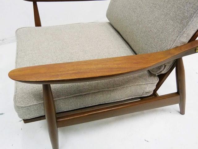 hans Wegner Style Lounge Chair GE-270 armrest