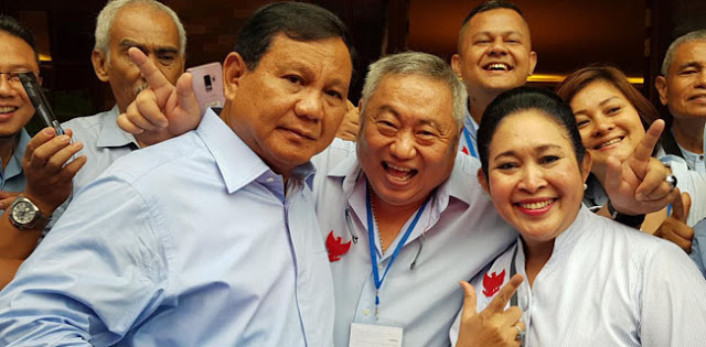 Habis Tarawih, Prabowo Bersama Purnawirawan TNI Jenguk Eggi dan Lieus Sungkharisma