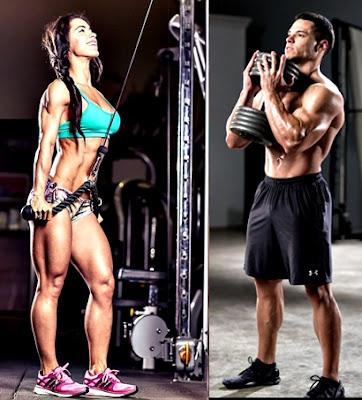 Hombre mujer pesas entrenamiento