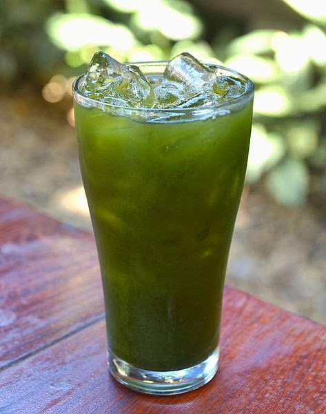Thankuni Juice - Bai bua bok served as a refreshing drink in Thailand
