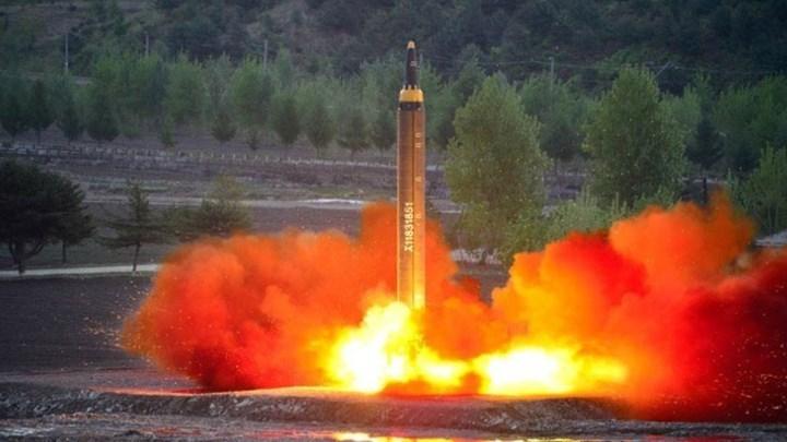 Παγκόσμια ανησυχία για τη νέα εκτόξευση βαλλιστικού πυραύλου από τη Βόρεια Κορέα