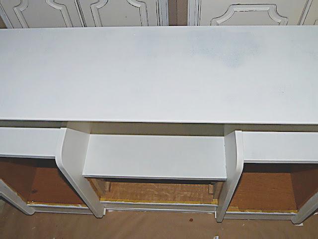 mueble-recibidor-antiguo-imprimacion
