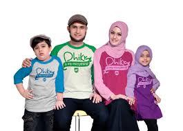 Model Baju Kaos Seragam Keluarga untuk Liburan Terbaru