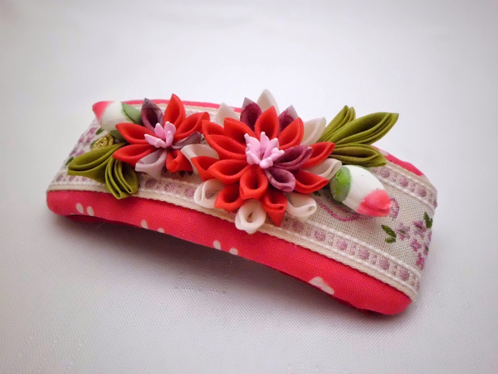 https://www.etsy.com/listing/222233736/handmade-french-barrette-pink-white