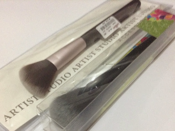 Amazing Find: Landmark's Dome-shaped powder brush and Angled Blush Brush