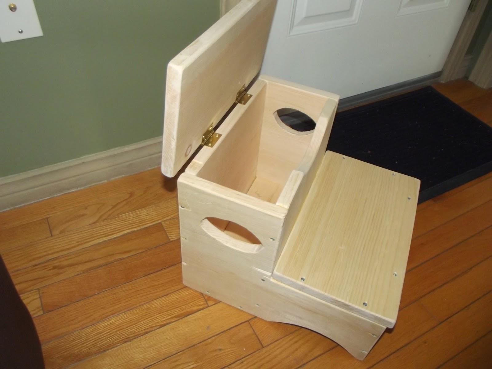 Woodworks Stepstool With Storage