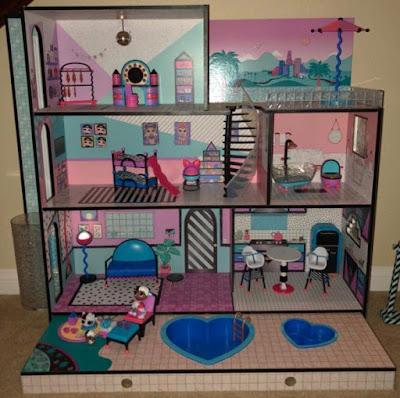 Распакованный кукольный домик L.O.L. Surprise House