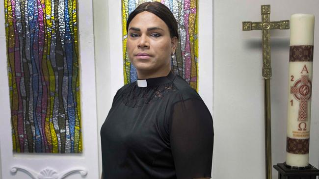 """Alexya Salvador prega que """"Jesus Cristo foi o primeiro trans"""""""