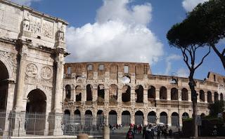 arco const colosseo - Roma Antiga, roteiro de um dia