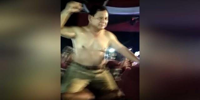 Gerindra : Prabowo Telanjang Dada Spontan, Jokowi Bertinju & Bermotor Pencitraan